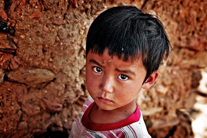 Nhói lòng với hình ảnh trẻ em vùng cao trong giá rét