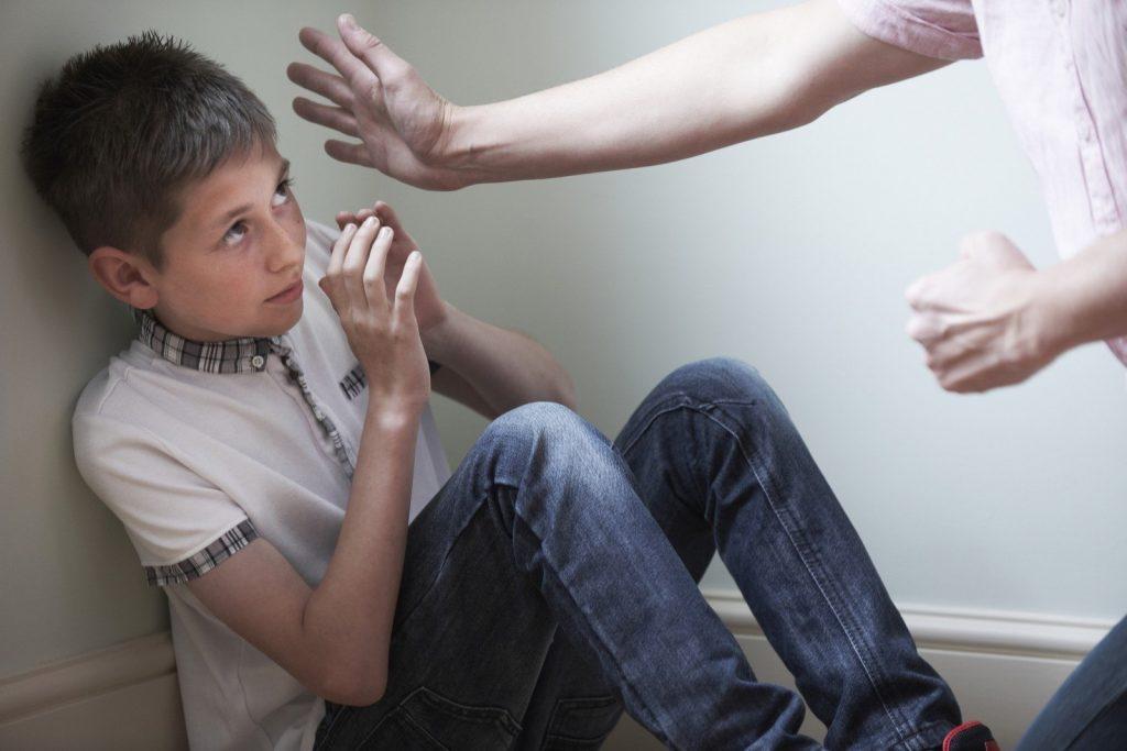 Bạo hành trẻ em là gì? Luật bạo hành trẻ em ở Việt Nam