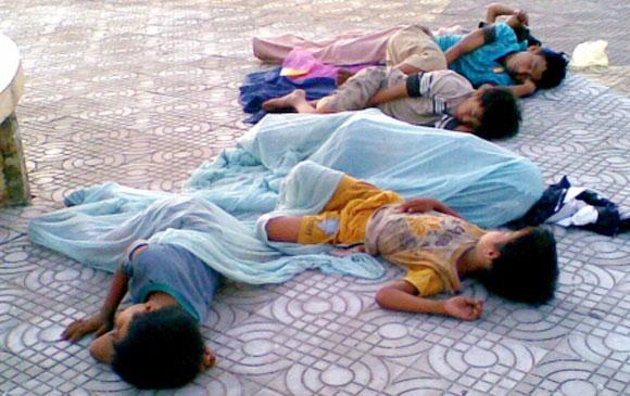 Trẻ em lang thang cơ nhỡ rất cần sự quan tâm