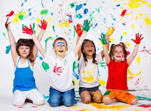 Chăm sóc trẻ em là gì ? Tìm hiểu về luật chăm sóc trẻ em