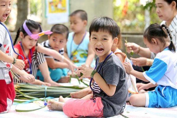 Khái niệm trẻ em được hiểu như thế nào? Khái niệm trẻ em là gì ?