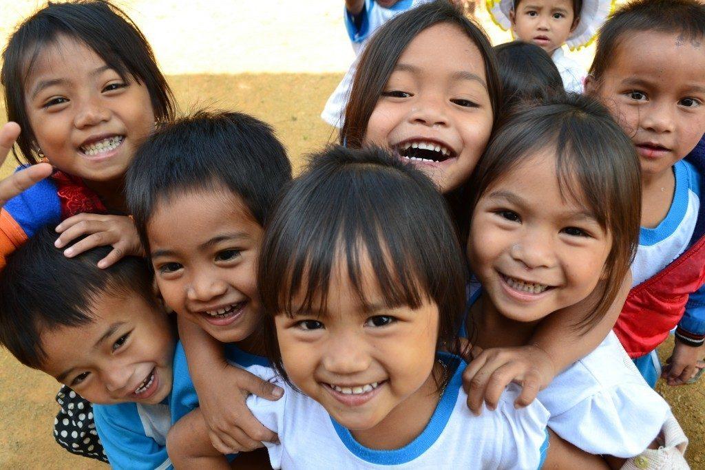 Ở Việt Nam trẻ em có bao nhiêu quyền và bổn phận
