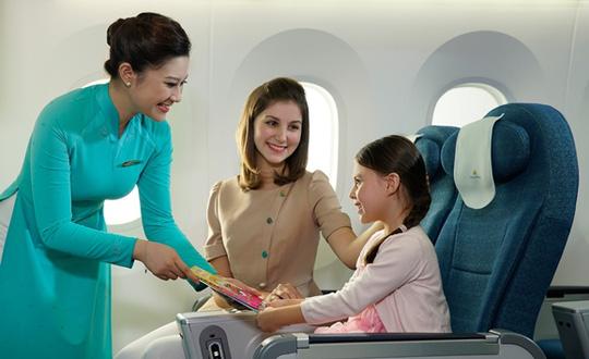 trẻ em đi máy bay cần mang giấy tờ gì