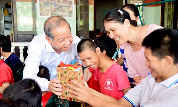 Nhà nước đang cố gắng trợ giúp trẻ khuyết tật tiếp cận các dịch vụ văn hóa
